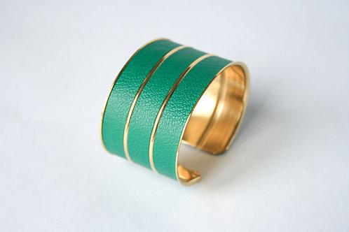 Bracelet manchette jonc cuir vert emeraude or laiton le bellifontain
