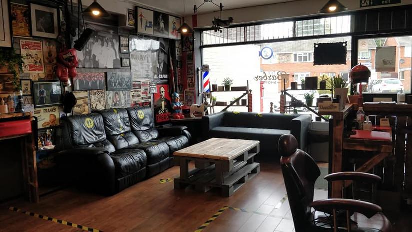 Franky the Barber New Shop Fit 2021 3.jp