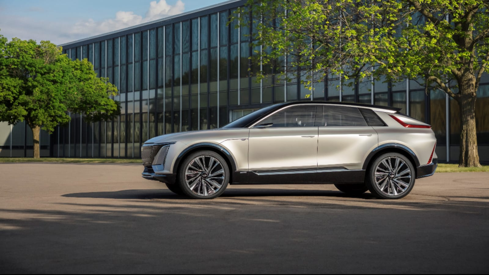 Cadillac Lyric EV: Luxury SUV