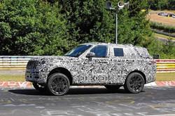 2021 Range Rover tests at Nurburgring