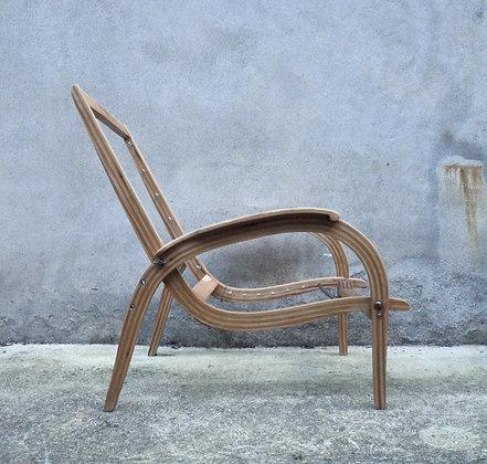 Chaise en bois des années 40