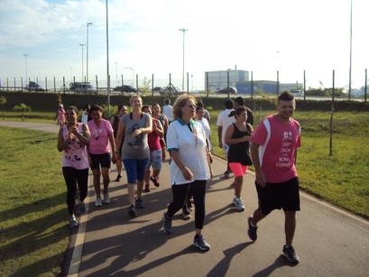 CREN realiza Caminhada Rosa para o Dia da Mulher