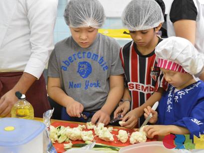 CREN faz oficina de culinária japonesa para crianças