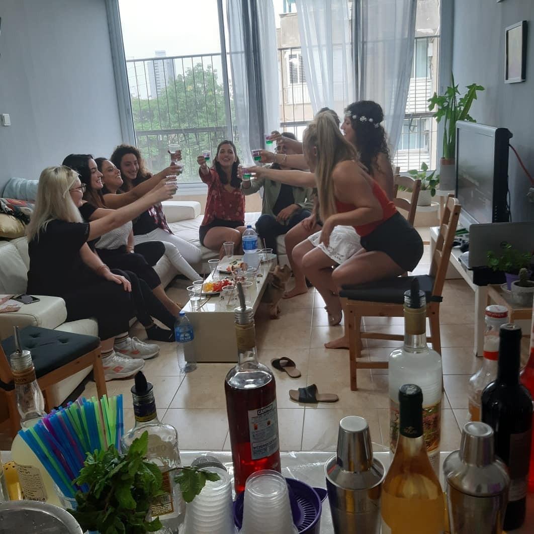 סדנת קוקטיילים מהנה למסיבת רווקות