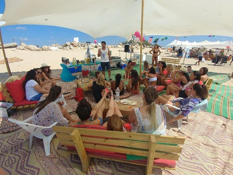 מסיבת רווקות בחוף