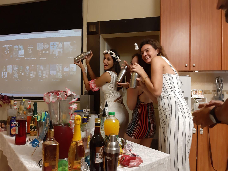 ערב שמח למסיבת רווקות סדנת קוקטיילים