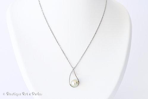 Cadena de plata con colgante en forma de gota con perla blanca