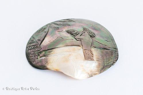 Concha esculptada a mano