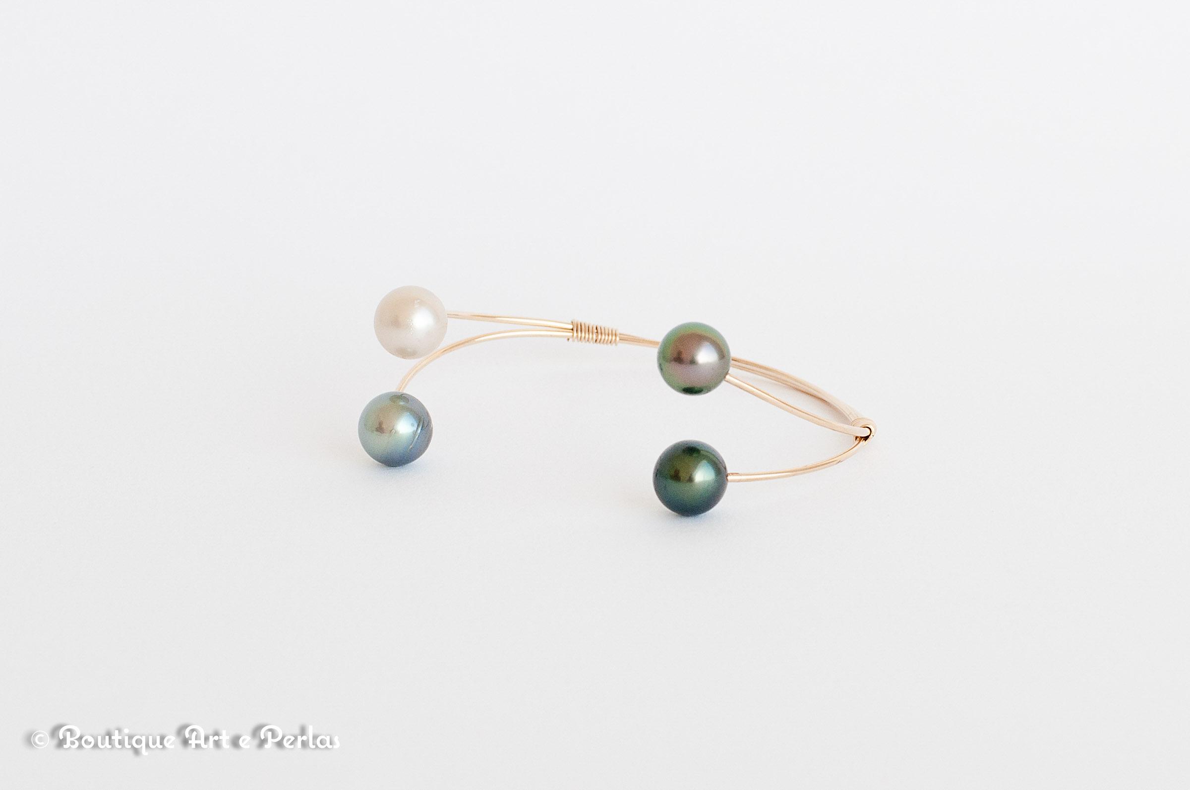 Brazalete de oro 14k y 4 perlas