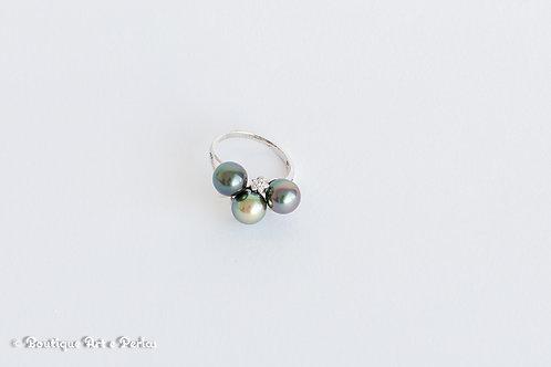 Anillo con 3 perlas y circonita