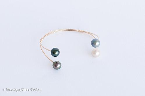 Brazalete de oro con 4 perlas