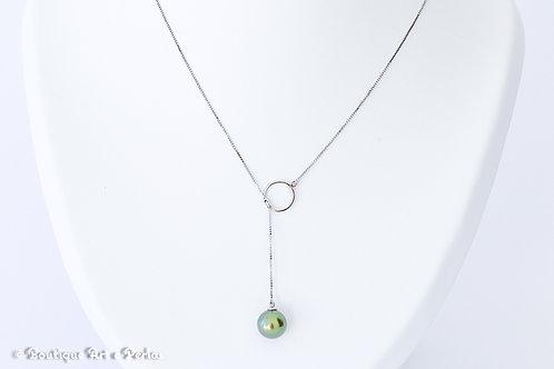 Collar de plata con una perla verde de excelente calidad