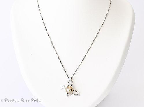 Cadena de plata con colgante mariposa y perla rosa/gris
