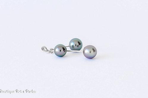 Colgante con tres perlas