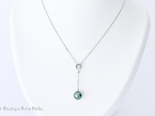 Cadena de plata con perla azul claro