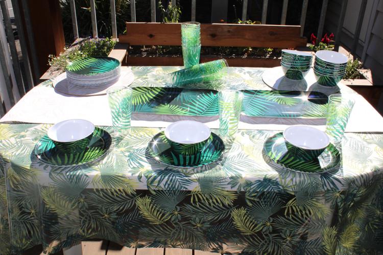 Palm dinner set.JPG
