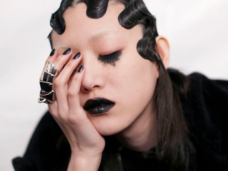 MARC JACOBS GOES GOTH GLAM FOR FALL 2016