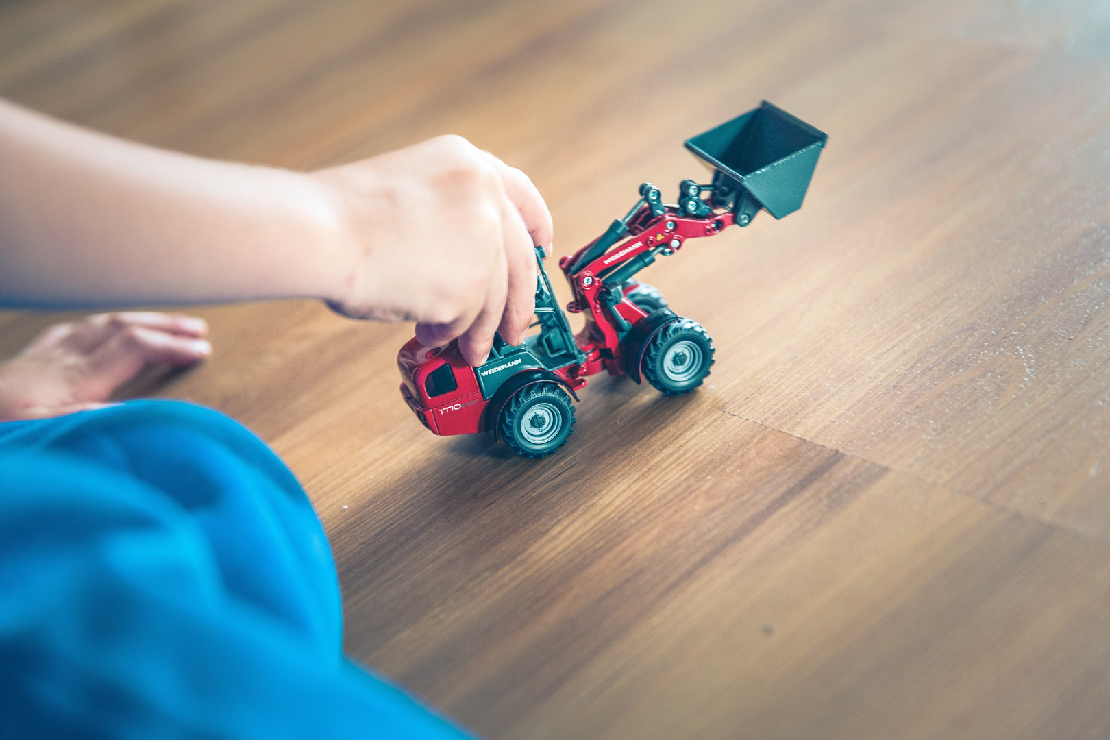active-boy-bucket-excavator-131777.jpg