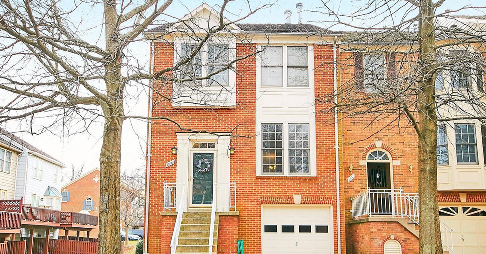Under Contract - townhome in Vienna