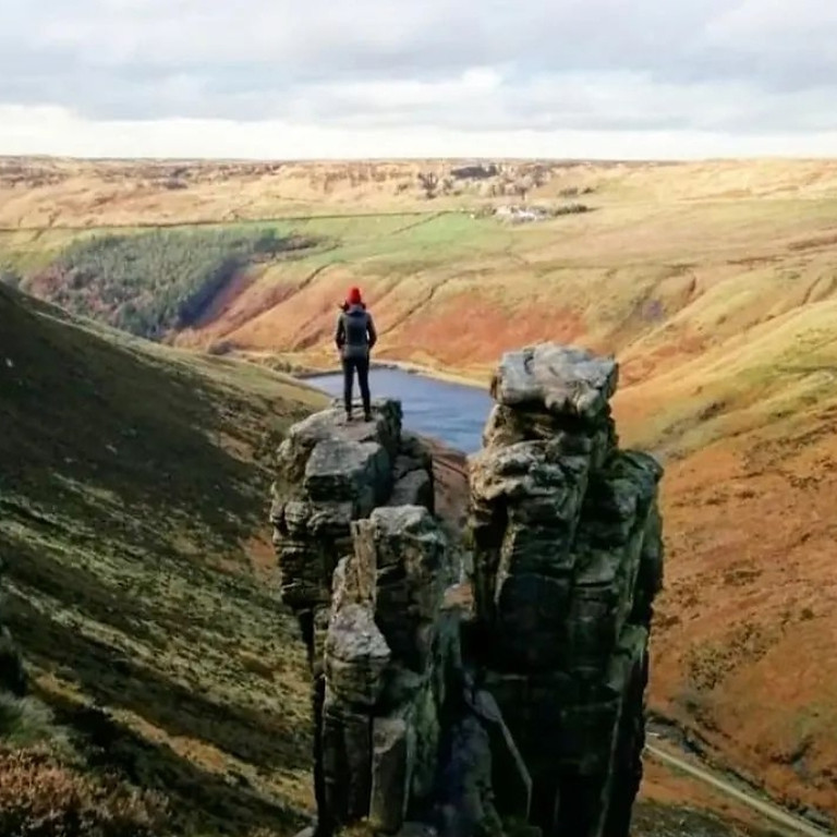 Dove Stones Reservoir & The Trinnacle