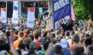 ABP Marathon 2018 - Mayor starting the race
