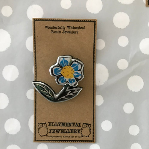 Ellymental resin blue flower brooch