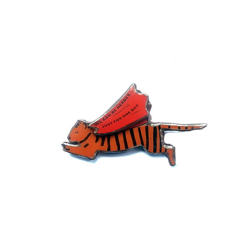 Ellymental flying tiger brooch