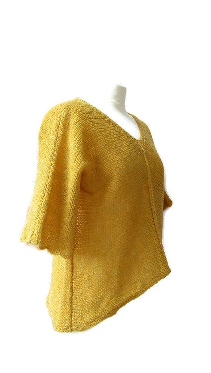 Lillian Scott light top in broom yellow