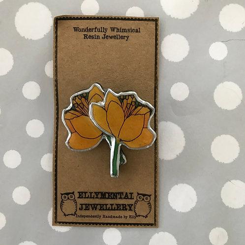 Ellymental resin yellow flowers brooch