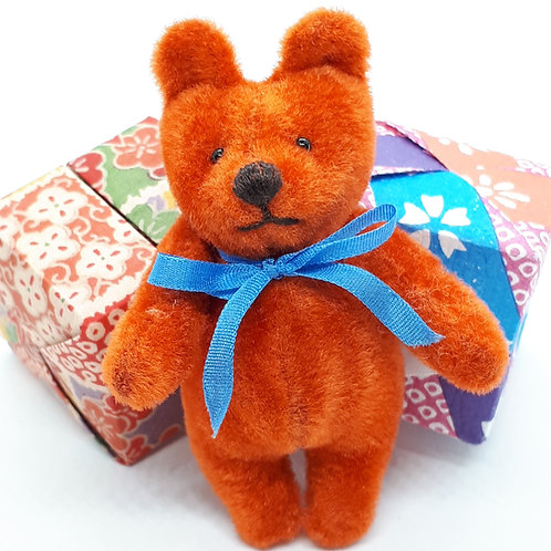 "Janis Waldron "" Jumble"" pocket mascot bear"