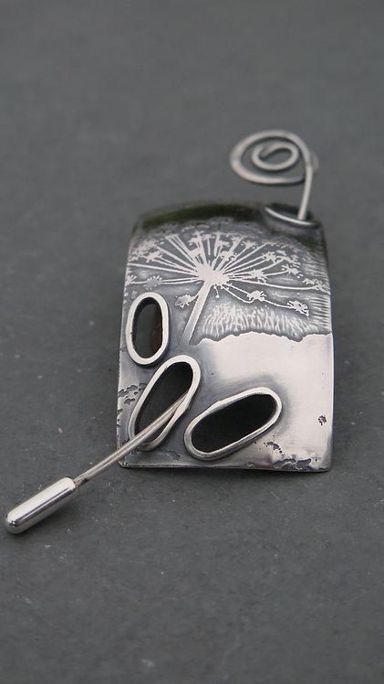 Ali Tregaskes Queen Anne's lace brooch