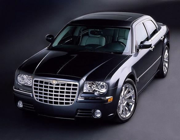 Locação de veículos é na Ginos. Chrysler, jetta, corolla, fusion, captiva. Ligue agora!