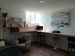 Mobilier de bureau en hêtre massif