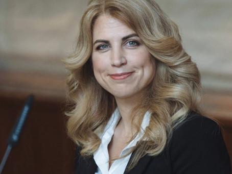 [Coluna] Elizabeth Parrish, a primeira a retardar o envelhecimento humano com terapia genética