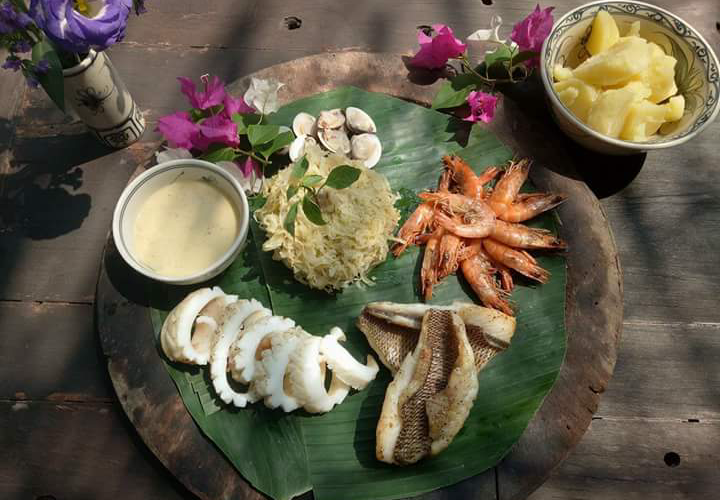 The Hmong Sisters - Seafood Platter