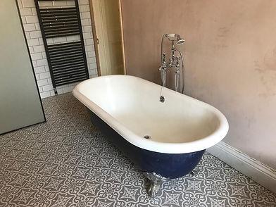roundtop bath.jpg