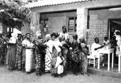 Consultation au dispensaire BCK à Élisabethville