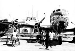 Aérodrome de Stanleyville avec un avion de la Sabena 1956