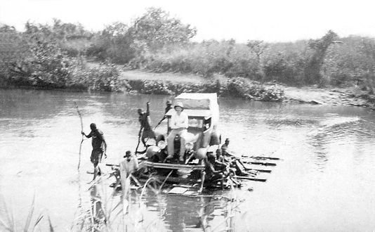 Petit bac sur la Nzoro 1931.jpg