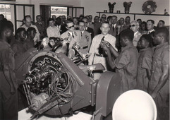 Visite du Roi Baudouin à l'école technique de la base de Luluabourg 1955