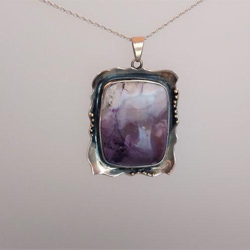 Pendant fluorite with opal gem