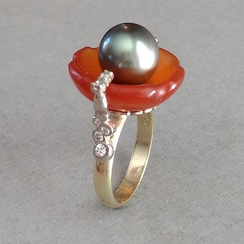 Ring  cornelian cup with black Tahiti pearl