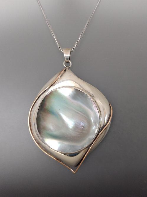 Tahitian sculptured pearl
