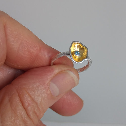 Ring yellow gold plate blue topaz by Eva Stone