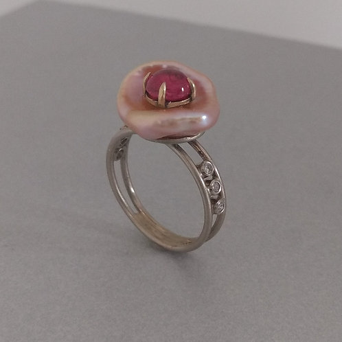 Cup pearl and pink spinel