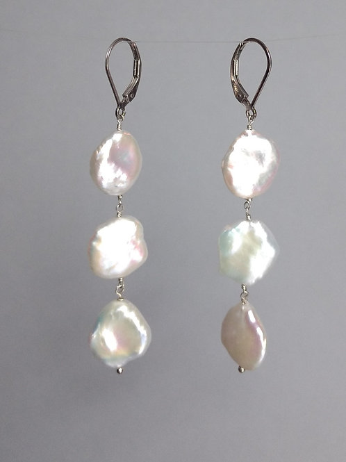 Earrings white keshi pearls