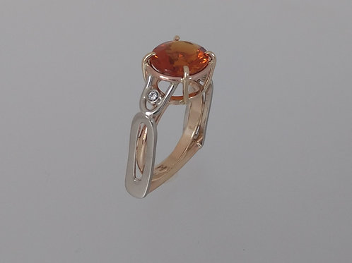 Ring citrine and diamonds
