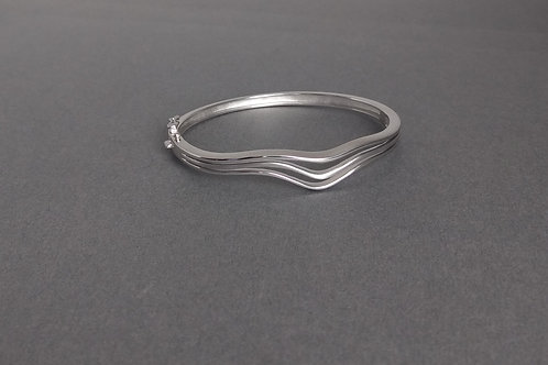 Bangle in sterling silver by Breuning
