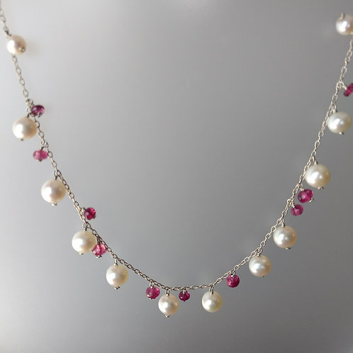 Necklace pearls and pink tourmaline beads