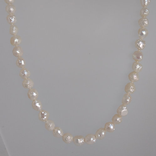 Necklace white fresh water pearls